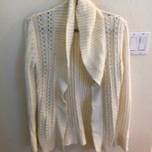 Open front cardigan sweater. Excellent condition